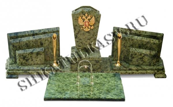 Письменный прибор с гербом России и календарницей