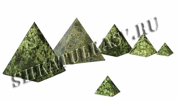 Пирамидка из змеевика 40